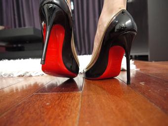 wearhing-heels-img-1